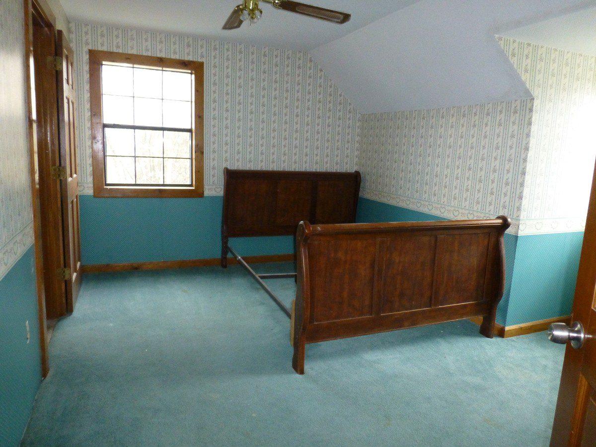 14-upstairs-bedroom-2