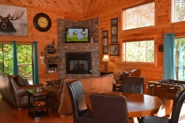northern-exposure-cabin-25