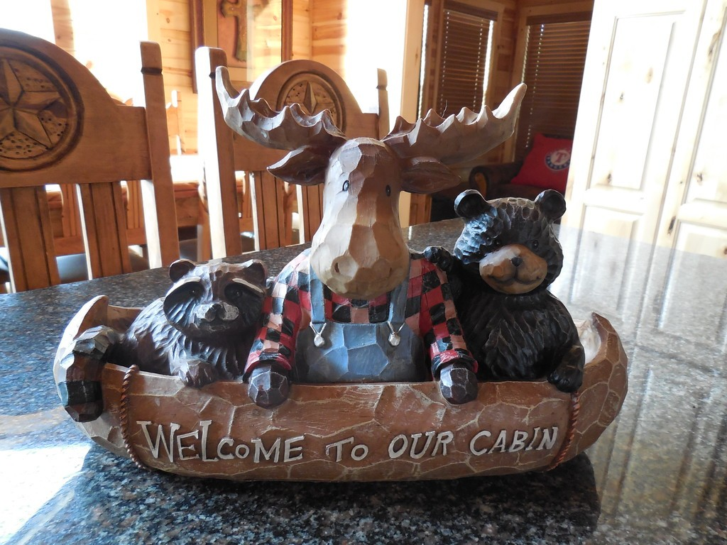 incommunicado-welcome-moose-xl