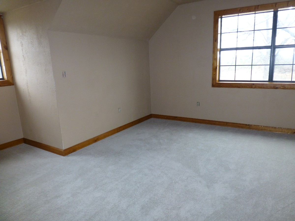 12-upstairs-bedroom-1