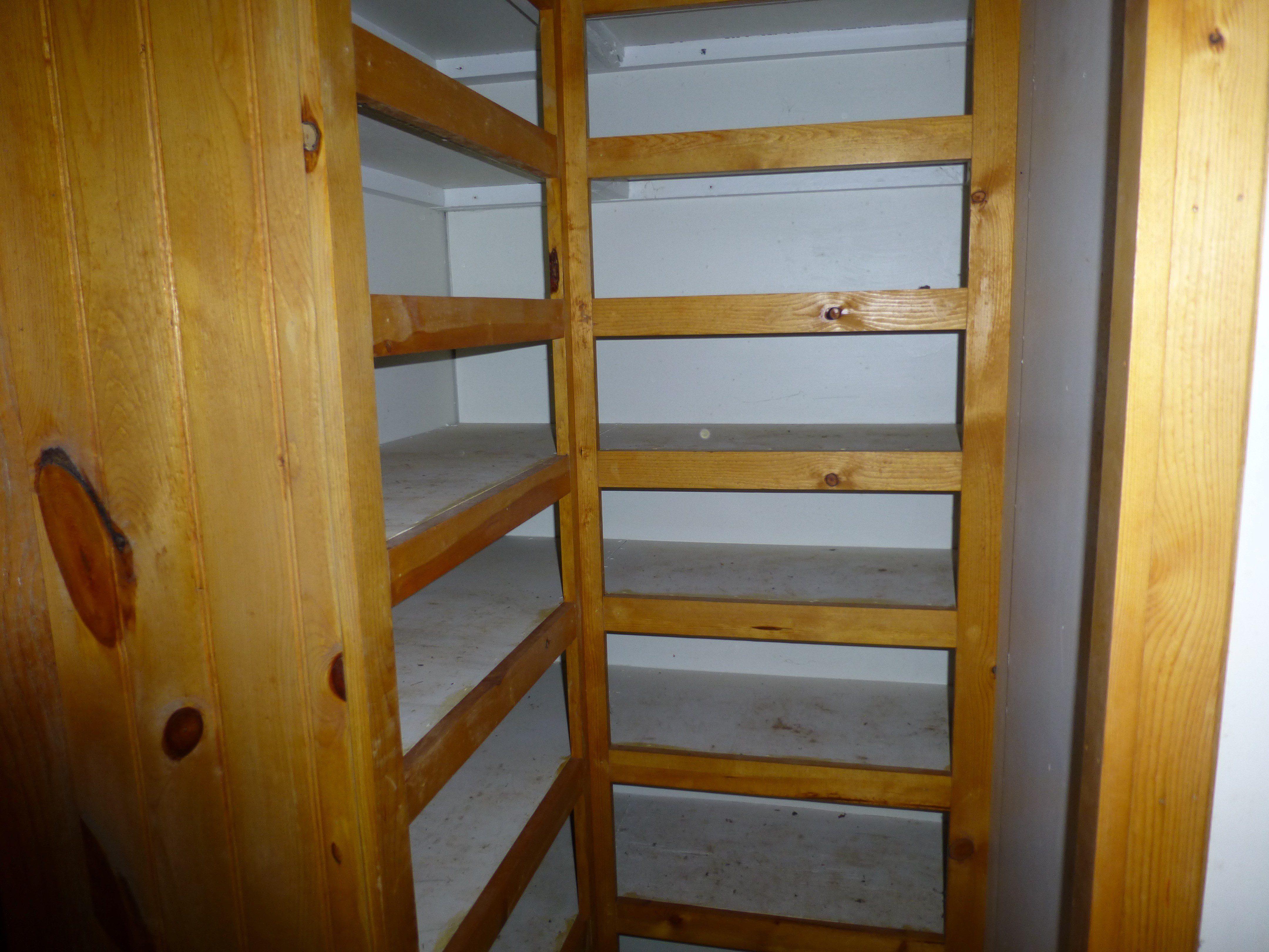 15-master-closet-shelves