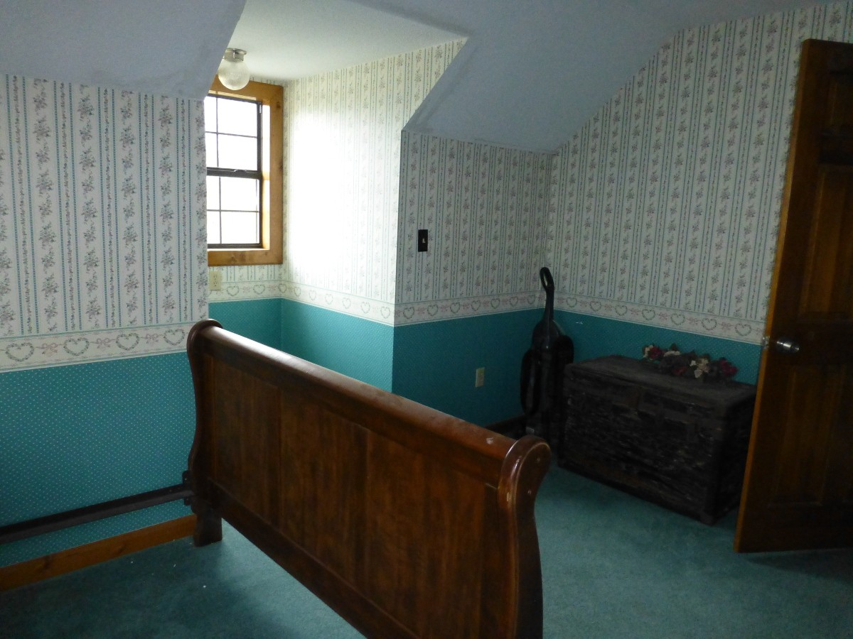 16-upstairs-bedroom-2-a