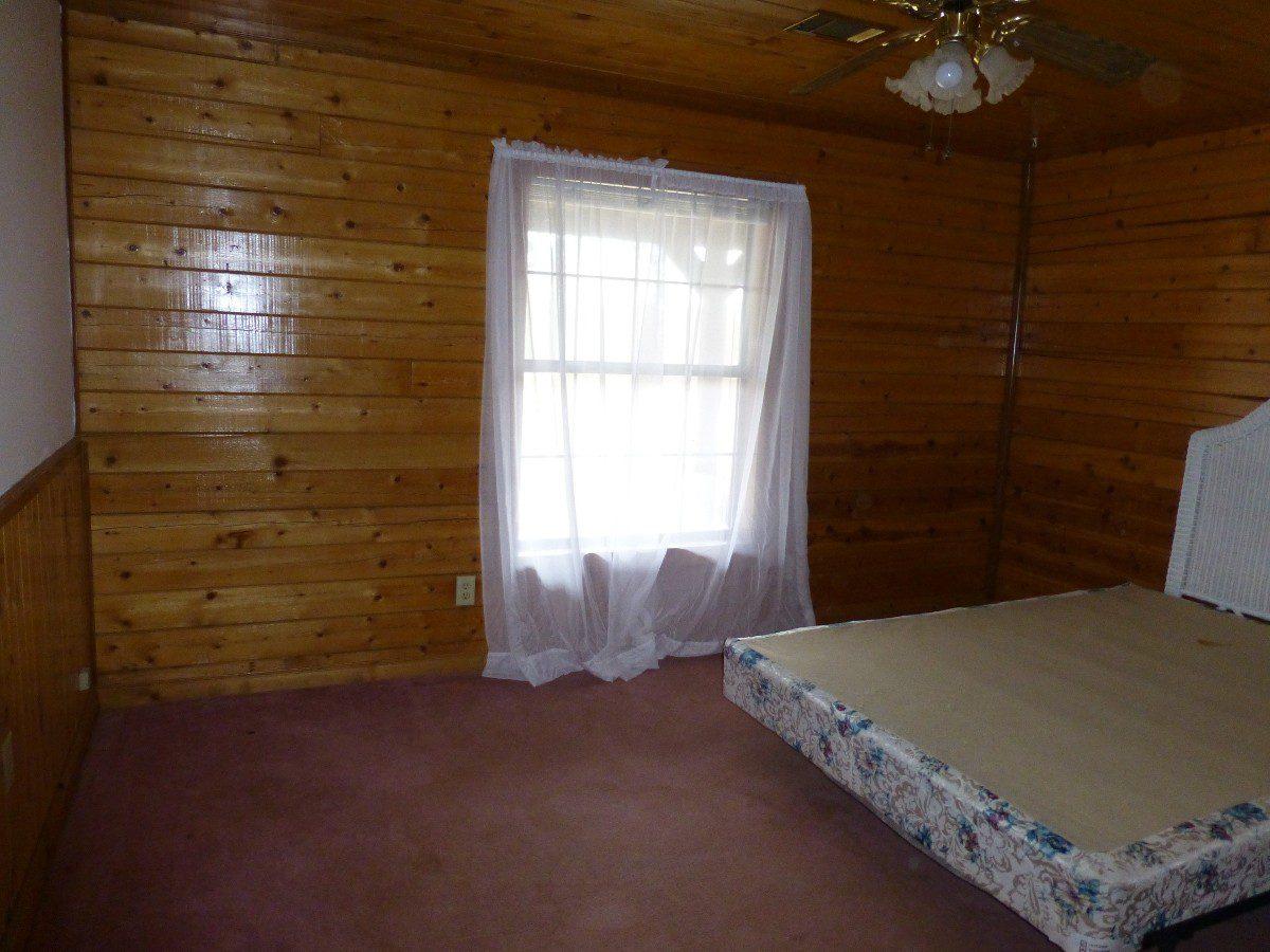 18-bedroom-2-downstairs