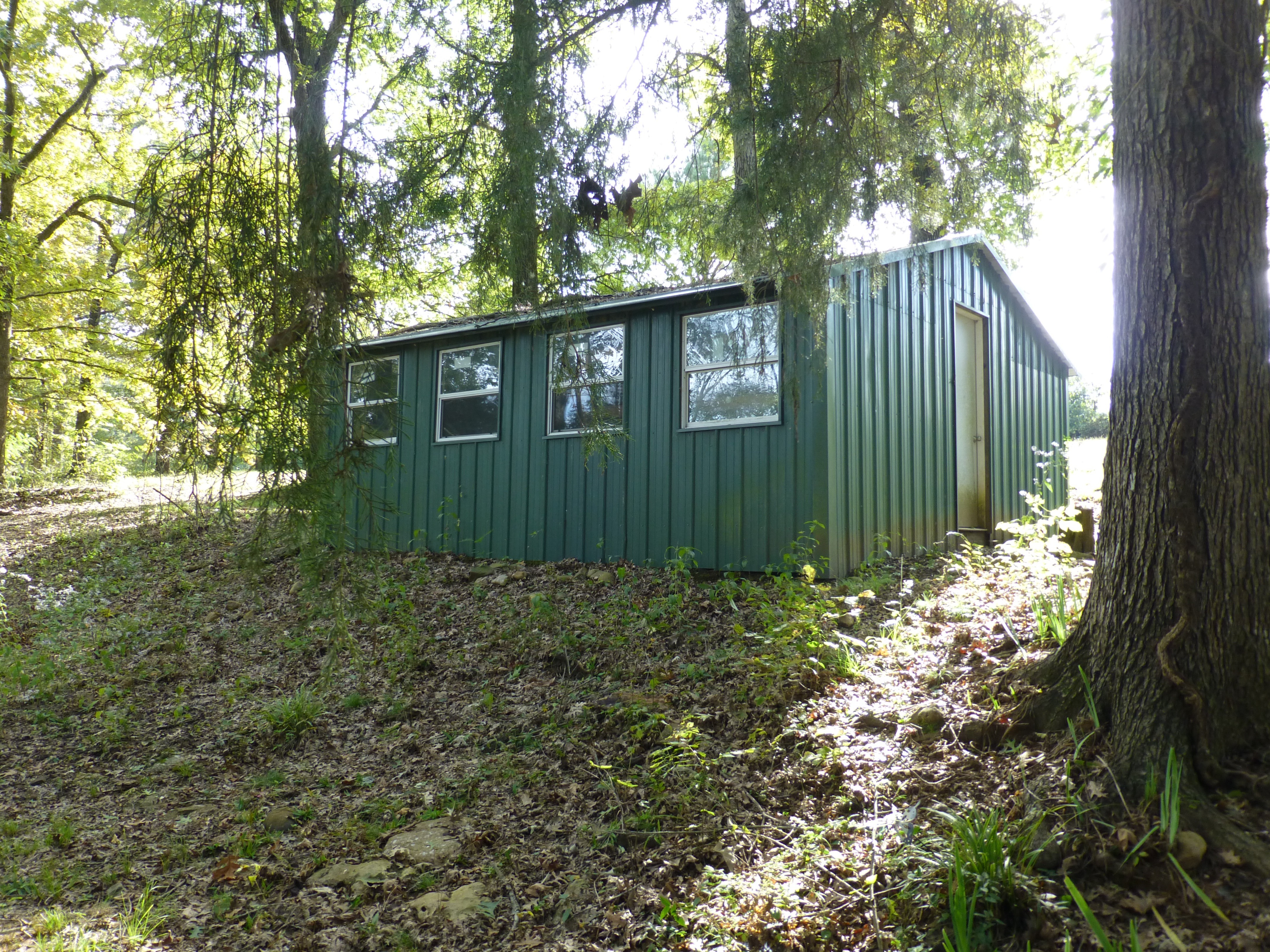 20-shop-building-outside