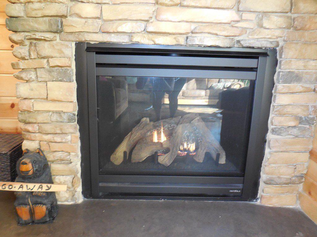incommunicado-fireplace-xl